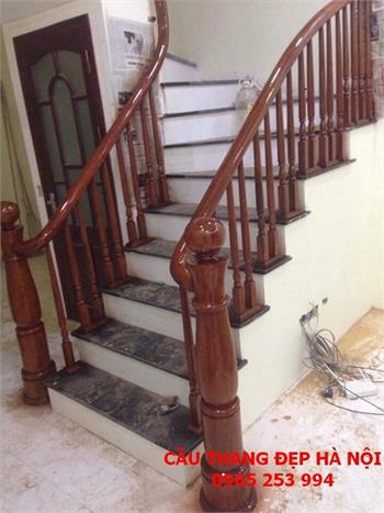 Mẫu Cầu thang gỗ đẹp 28